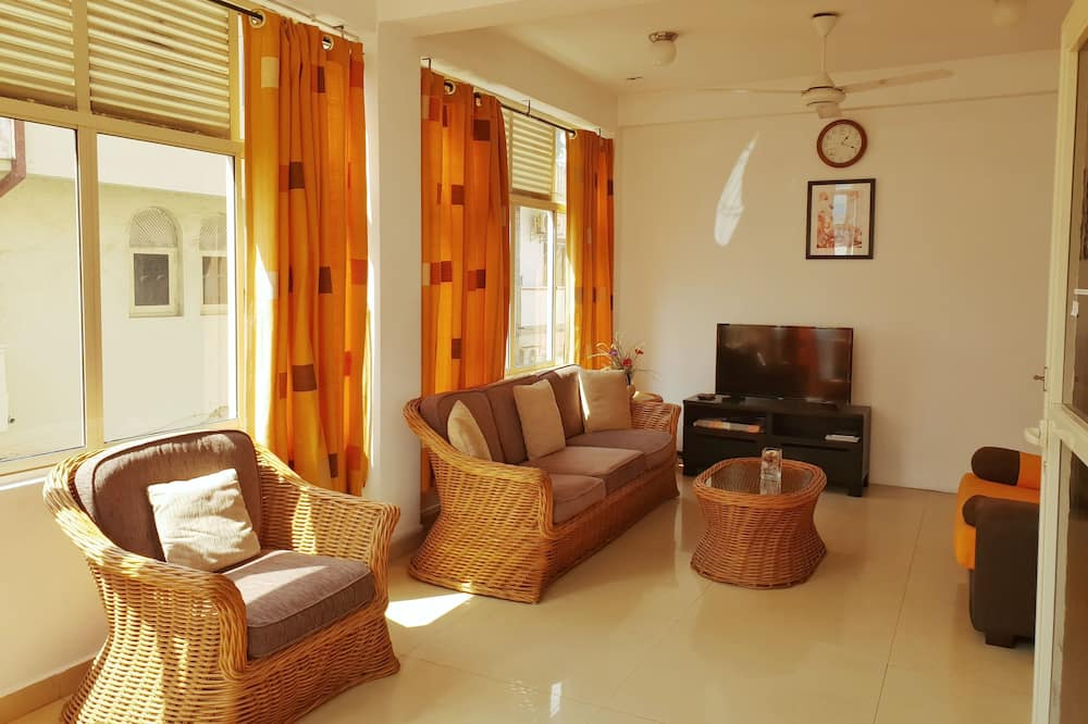 Luxury Apartment, 2 Bedrooms - Bilik Rehat