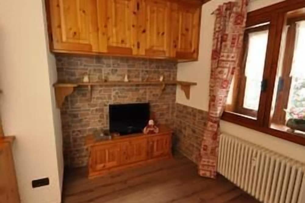 Апартаменты, 1 спальня, кухня, вид на горы - Зона гостиной