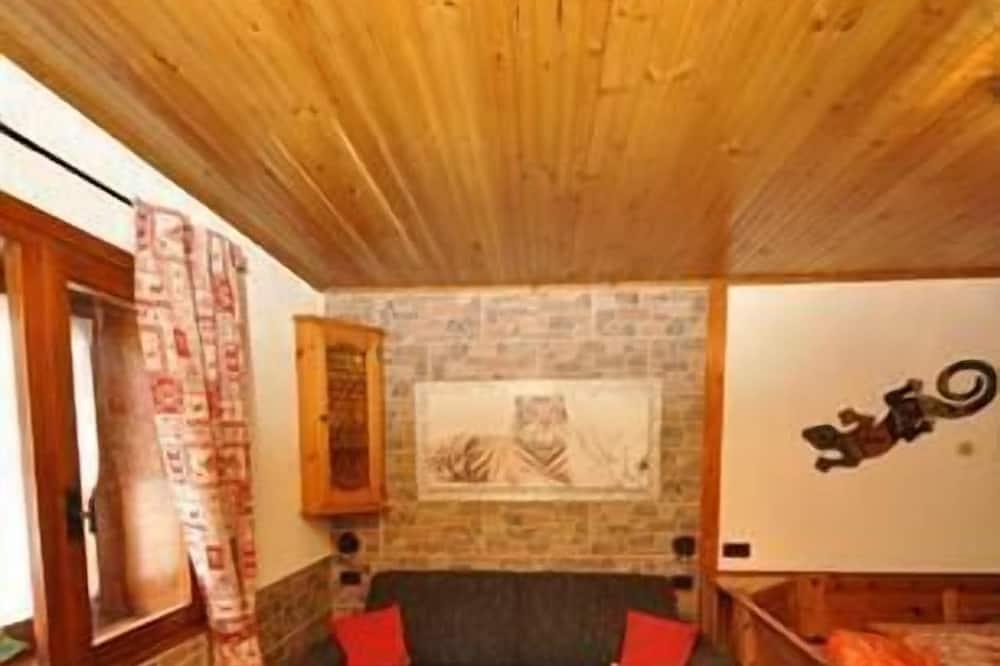 Апартаменты, 1 спальня, кухня, вид на горы - Гостиная