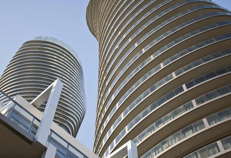 Square One Comfort Suite By Elite Suites, Mississauga, Luxury Condo, 2 Bedrooms, Accessible, City View, Living Area
