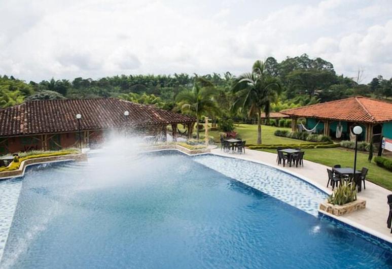 Hotel Parque Los Arrieros, Quimbaya, Pool