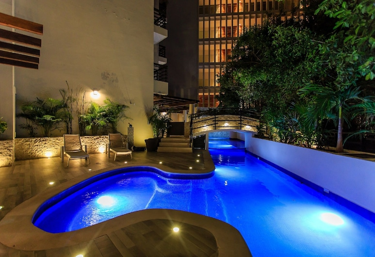At 1106- 2 Bed One Of A Kind Apartment+private Pool +close Beach 2 Bedroom Apts, Playa del Carmen, Udendørs pool