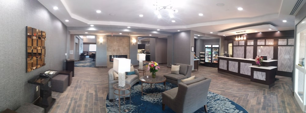 Homewood Suites By Hilton Philadelphia Plymouth Meeting Interior Entrance