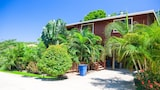 Choose This Cheap Hotel in Roatan