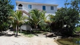 Choose this Villa in Roatan - Online Room Reservations