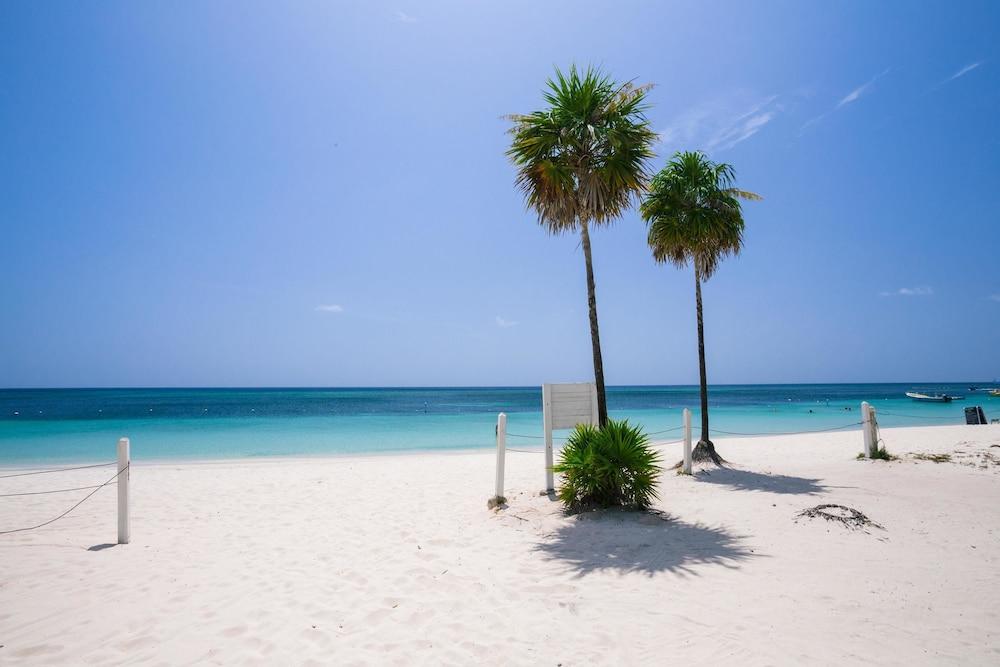Playa Bonita Studio Roatan Townhome 1 Bedroom Garden View Beach