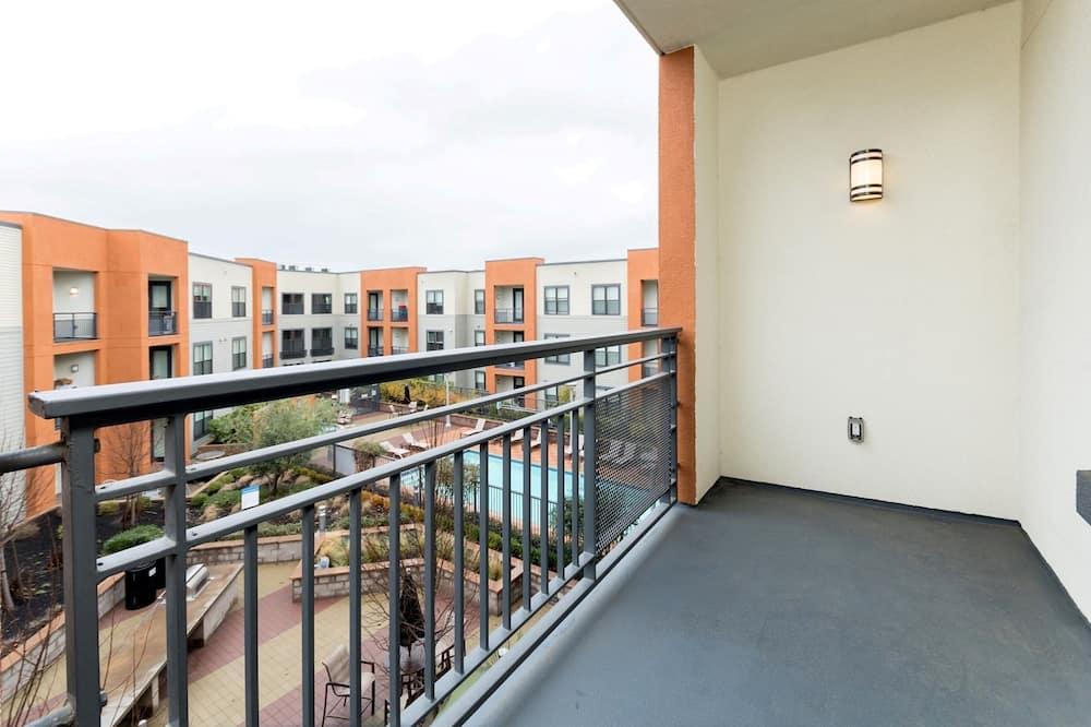 Luxury Apartment, 1 Bedroom - Balcony