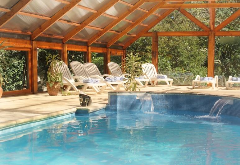 Cabañas La Estancia, Villa La Angostura, Piscina cubierta