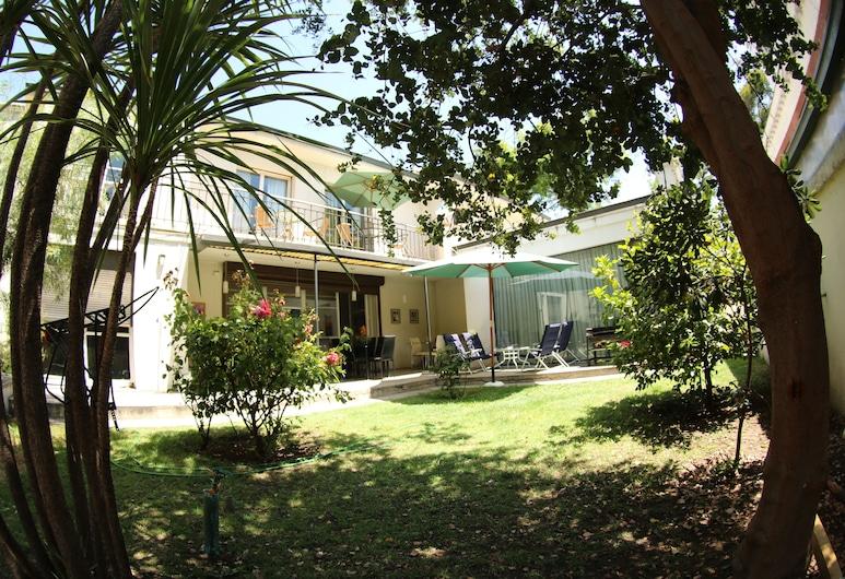 Hostal del Cerro, Santiago, Vista al patio