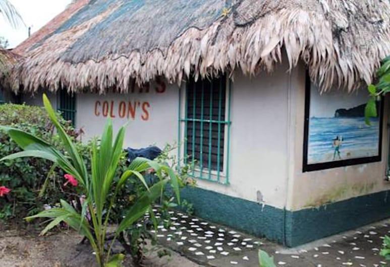 Cabañas Colon, Tela