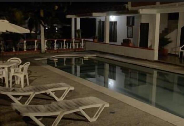 Finca Hotel El Porvenir, La Tebaida, Pool
