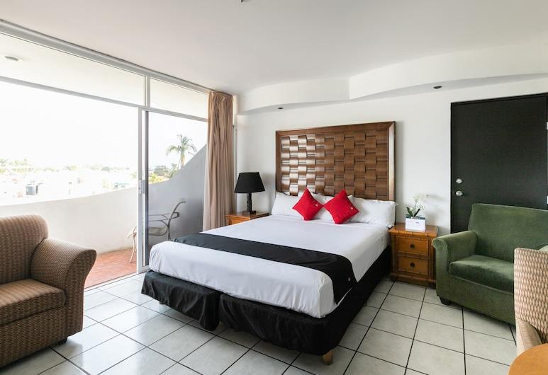 Capital O Zona Dorada Inn, Mazatlan, Deluxe Tek Büyük Yataklı Oda, Oda