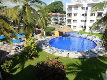 Picture of Suites Las Palmas Hotel y Villas in Manzanillo