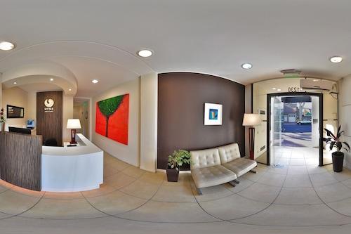 烏瓦斯公寓飯店/