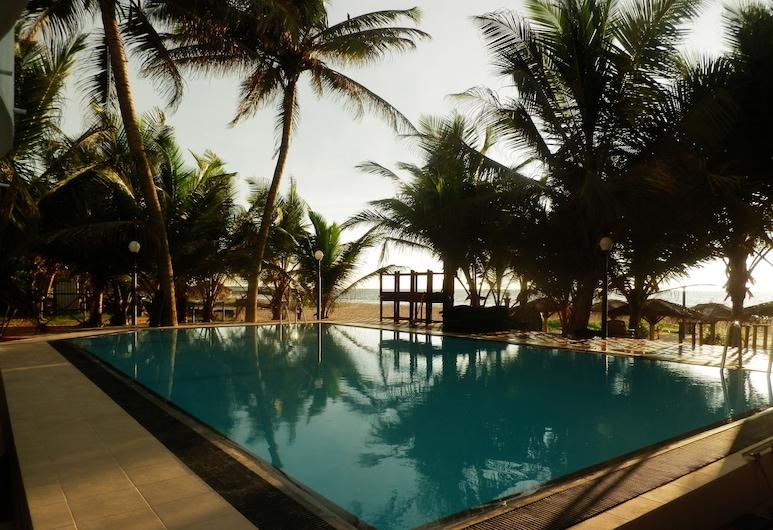 Lanka Beach Hotel, Negombo, Outdoor Pool
