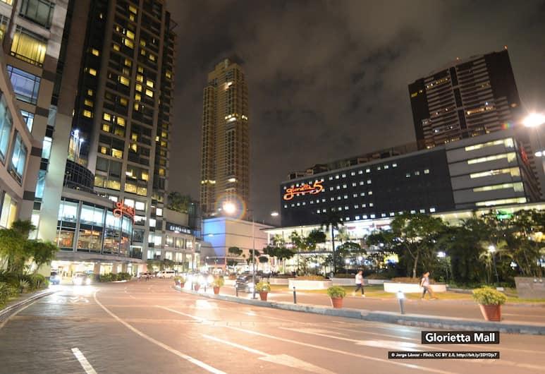 ZEN Rooms Makati City Hall, Makati, Buitenkant