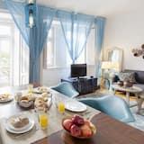 "Appartement, 2 chambres, 2 salles de bains (""Dom II"" in Av. Dom Carlos I, 90) - Restauration dans la chambre"