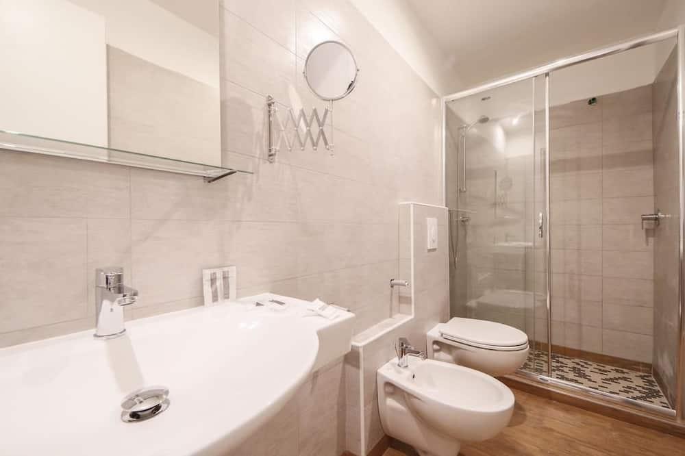 Тримісний номер категорії «Superior», з видом на море (laterale) - Ванна кімната