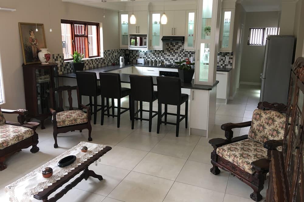 Kamar Deluks - Dapur bersama