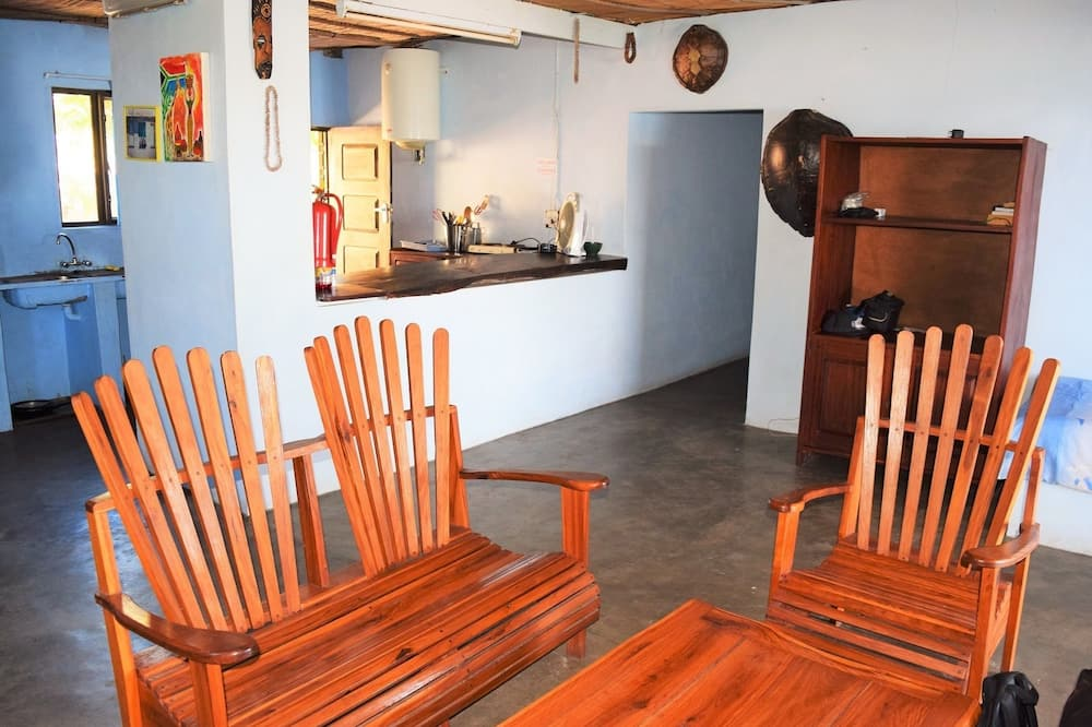 Family Cottage (Casa Quentin) - Living Area