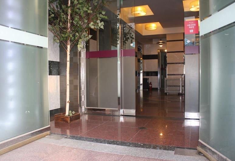 新賽文飯店, 水原, 飯店入口