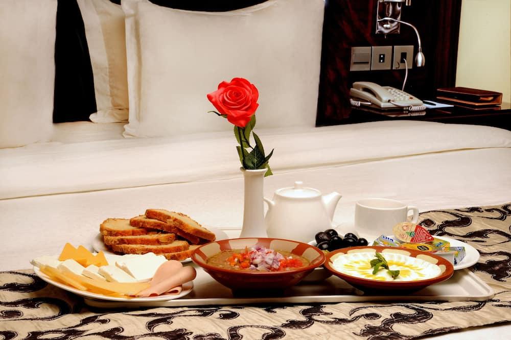 普通套房 - 客房餐飲服務
