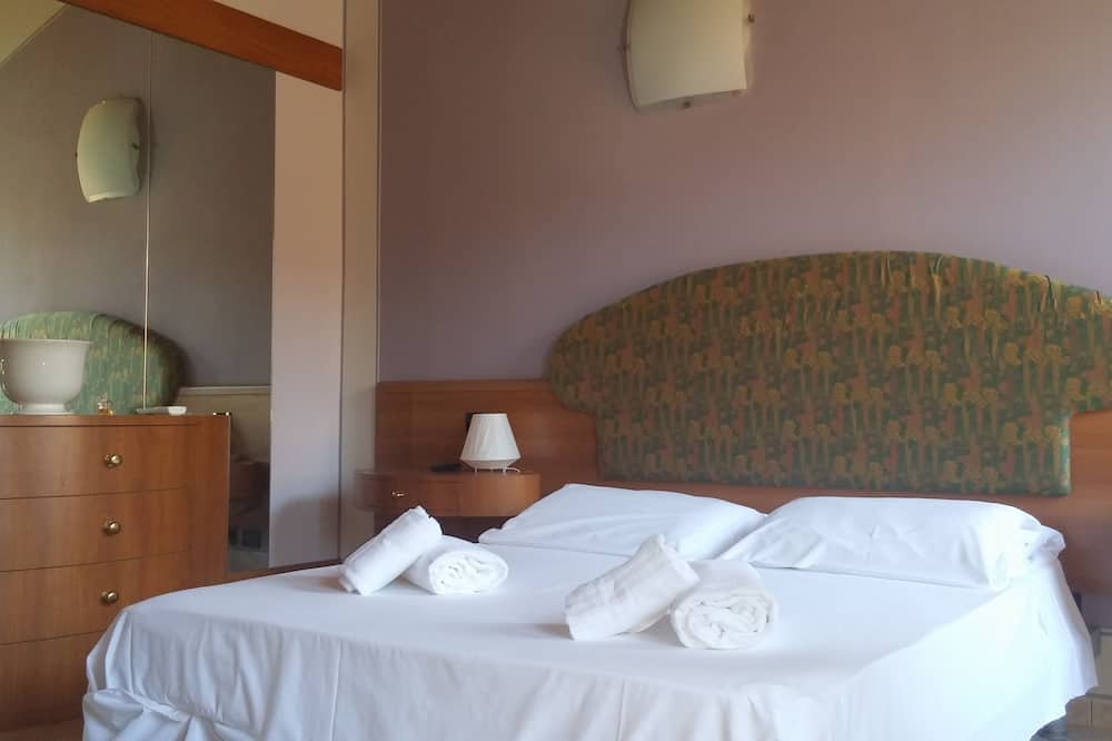 Superior Double Room, Jetted Tub - Guest Room