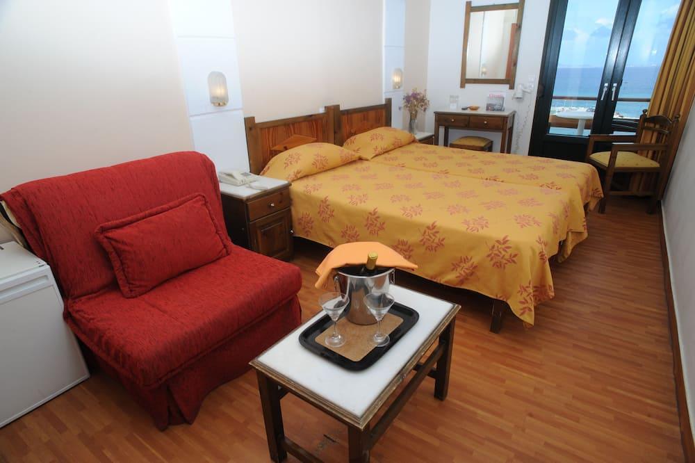 Standaard driepersoonskamer (Port View) - Woonruimte
