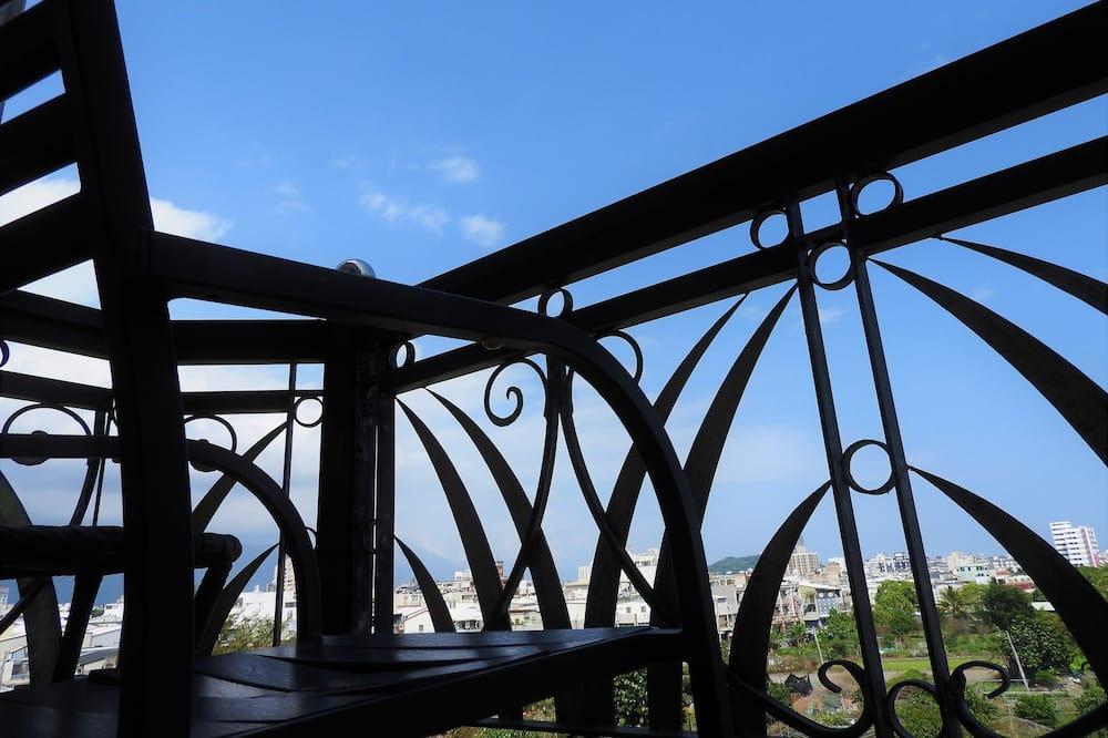 Дизайнерський двомісний номер, 1 ліжко «кінг-сайз», з балконом, з видом на місто - Тераса/внутрішній дворик