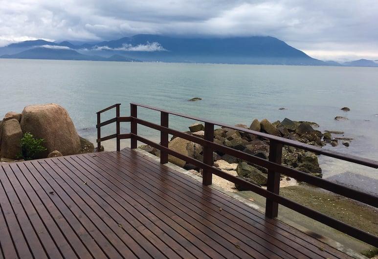 Pousada Prainha da Nina, Florianopolis, Monolocale familiare, Letti multipli, vista mare, di fronte alla spiaggia, Terrazza/Patio