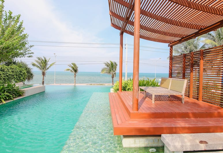 Pranaluxe Seaview Pool Villa, Pranburi, Zwembad