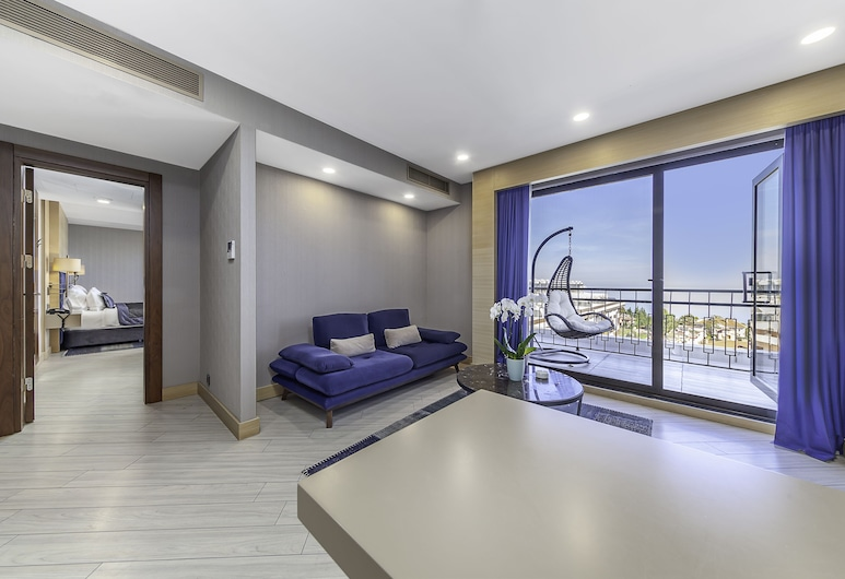 Park Dedeman Trabzon, Yomra, Executive Suite, Sea View, Living Room