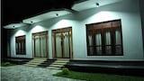 Choose This Cheap Hotel in Kamburugamuwa