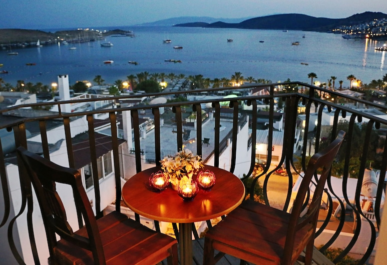 Casablanca Otel, Bodrum, Superior Tek Büyük veya İki Ayrı Yataklı Oda, Balkon, Deniz Manzaralı, Balkon