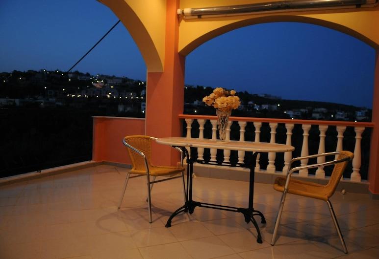 Sofia Apartments, East Mani, Quadruple Room, Balcony