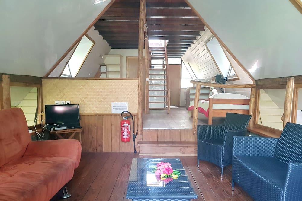 Superior Loft, Multiple Beds, 2 Bathrooms, Garden View - Living Area