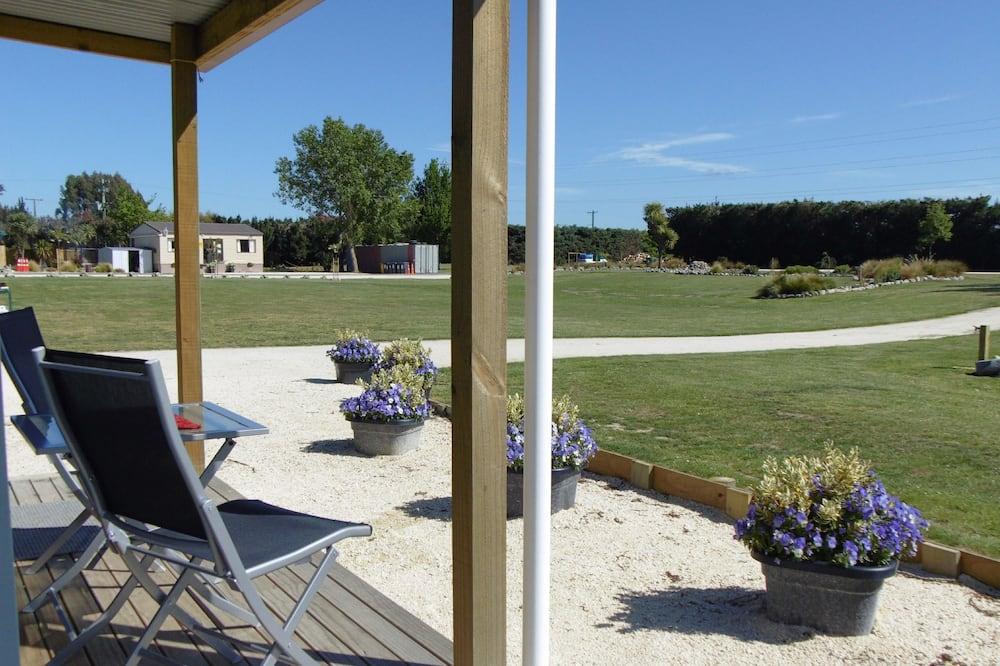 Twin Cabin - Garden View