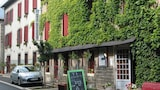 Reserve this hotel in Saint-Floret, France