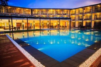 Picture of Camelot Beach Hotel in Negombo