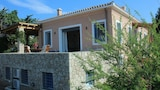 Choose this Villa in Ermionida - Online Room Reservations