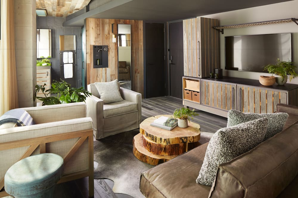 Studio Suite (Brooklyn Bridge) - Living Area