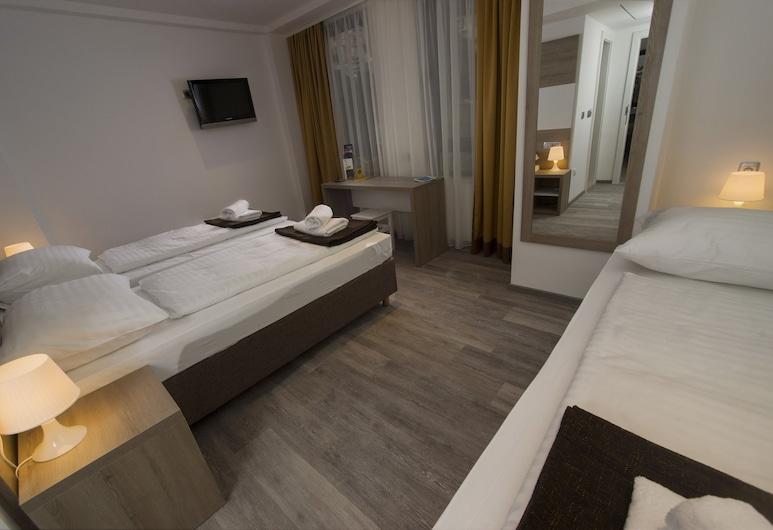 索爾青年旅舍, 杜布羅夫尼克, 經典三人房, 客房