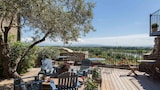 Book this Pool Hotel in Villeneuve-les-Avignon