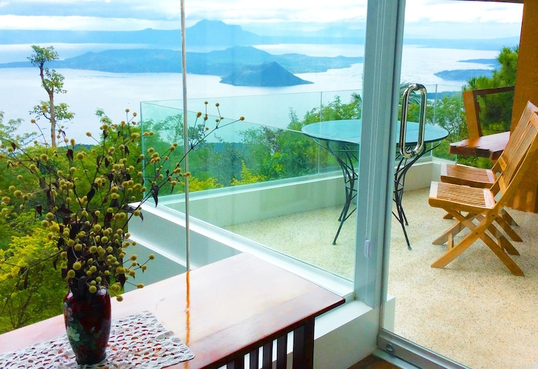 The Carmelence View, Tagaytay, Suite, 2 Queen Beds, Guest Room