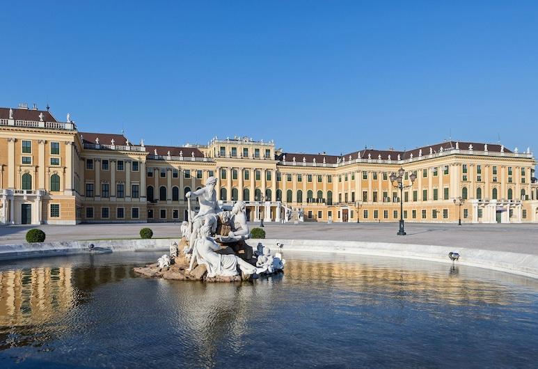 Schloß Schönbrunn Grand Suite, Vienna