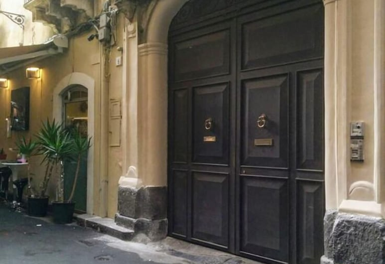 Zefnea House, Catania, Ingresso della struttura