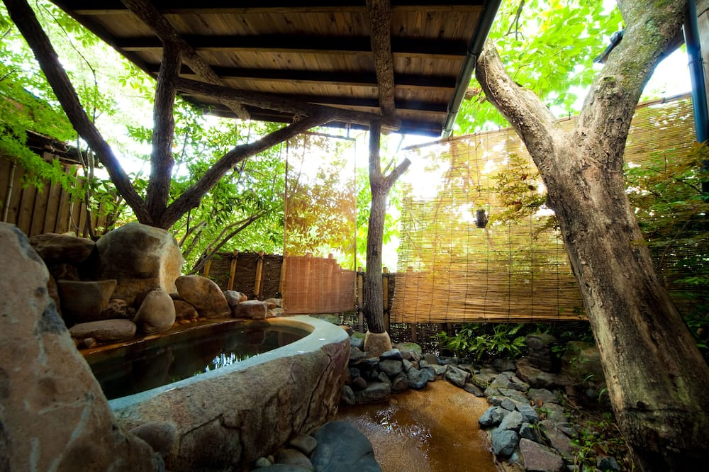 Tradicionāls numurs (High Class, Open-Air Bath) - Vannasistaba