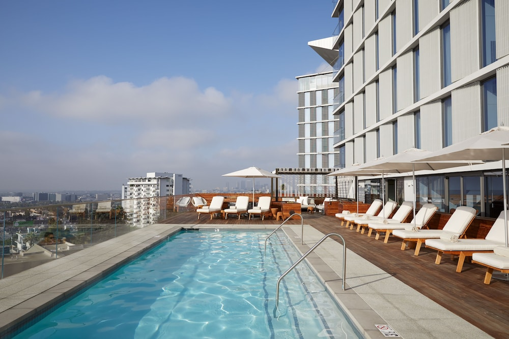 The Jeremy Hotel West Hollywood Outdoor Pool