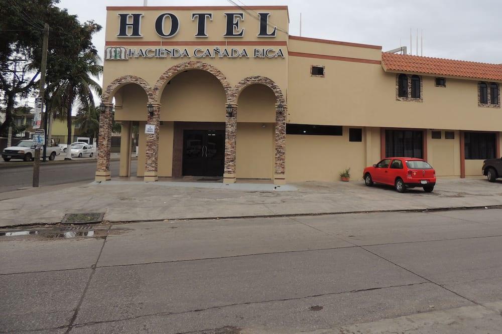 Hotel Hacienda Canada Rica 2