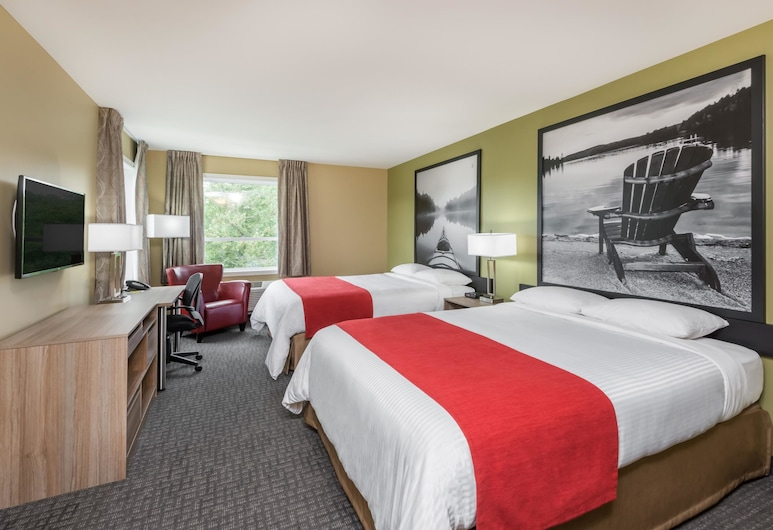 Super 8 by Wyndham Mont Laurier, Mont-Laurier, Standard Room, 2 Queen Beds, Non Smoking, Guest Room